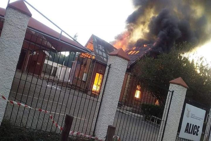 A fire engulfed the Alice Magistrate's Court building in the Eastern Cape.